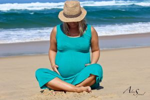 femme-enceinte-en-tailleur
