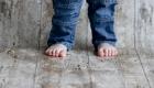 pieds de bébé nus