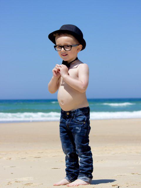 garçon a la plage