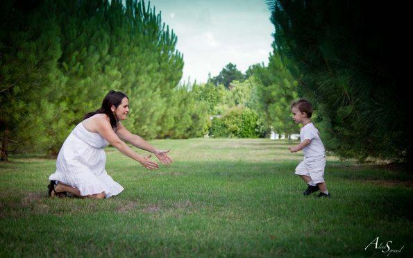 une maman et son petit garçon