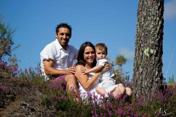 famille dans les pins