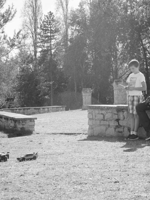 pere et fils jouent