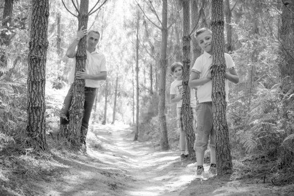 partie de cache cache dans les pins
