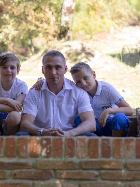 photo papa et ses 2 fils
