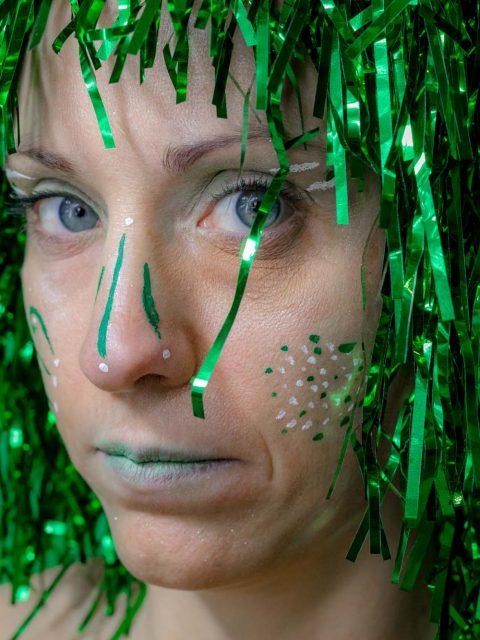 portrait couleur vert