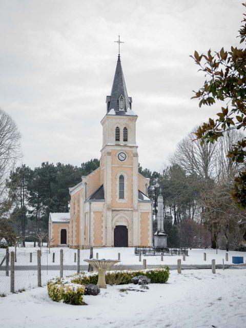 Eglise sous la neige