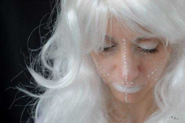 femme blanche