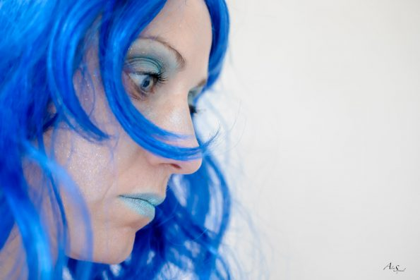 portrait profil bleu