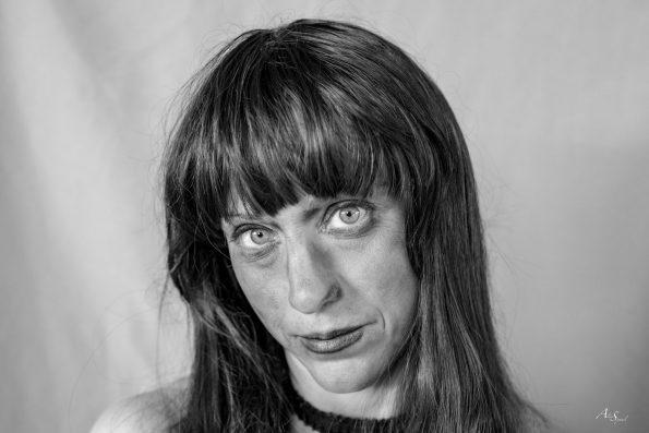 femme portrait sourit