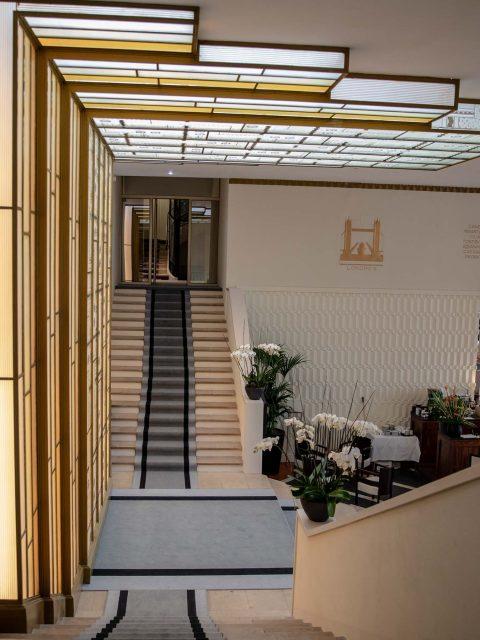 escaliers hôtel