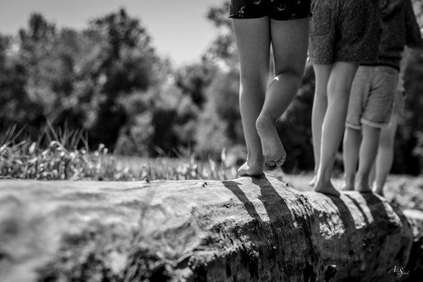 pieds nus sentier