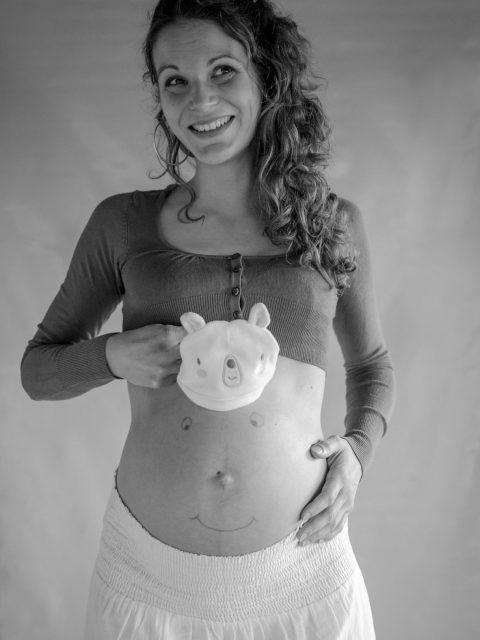 sourire ventre grossesse