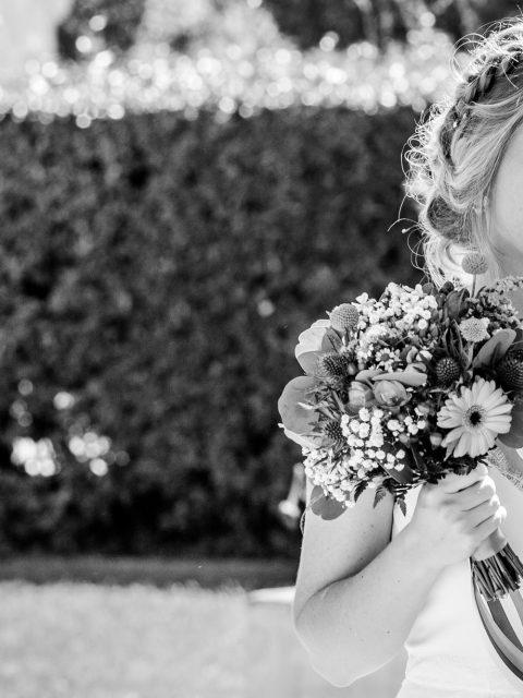 mariee et son bouquet