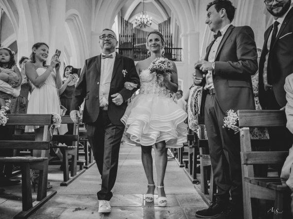entrée eglise mariée
