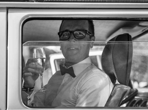 marié coupe de champagne
