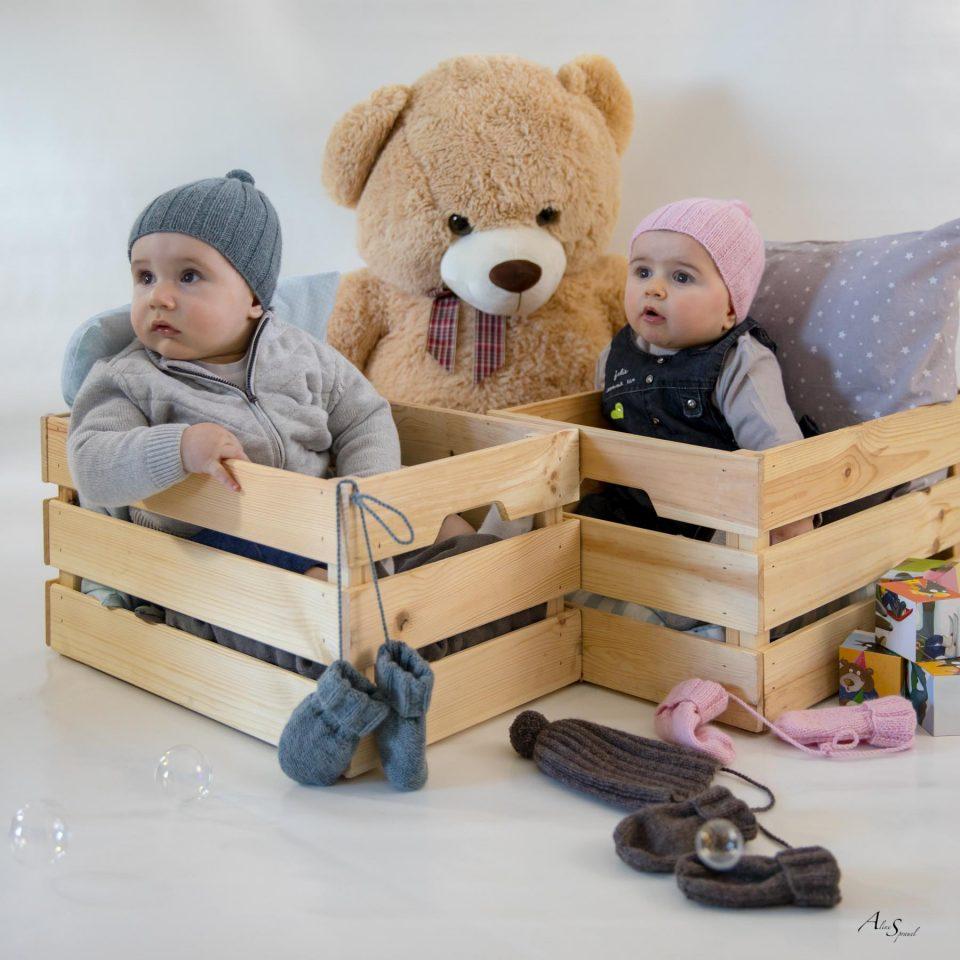 bebe dans caisse