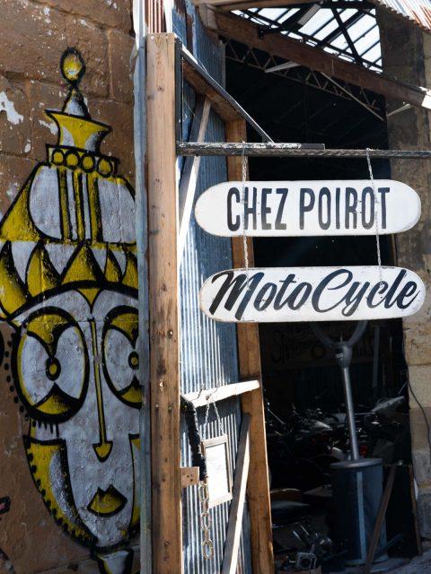 motocycle chez poirot