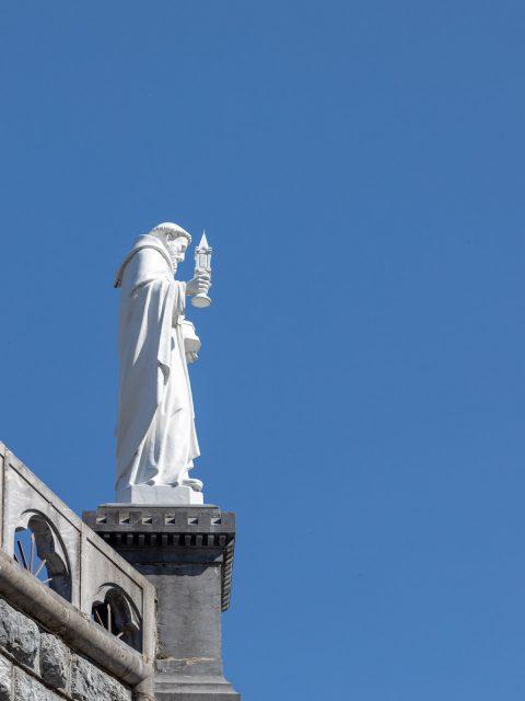 statue lourdes