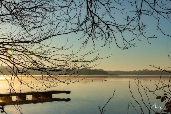 lac azur au lever du jour