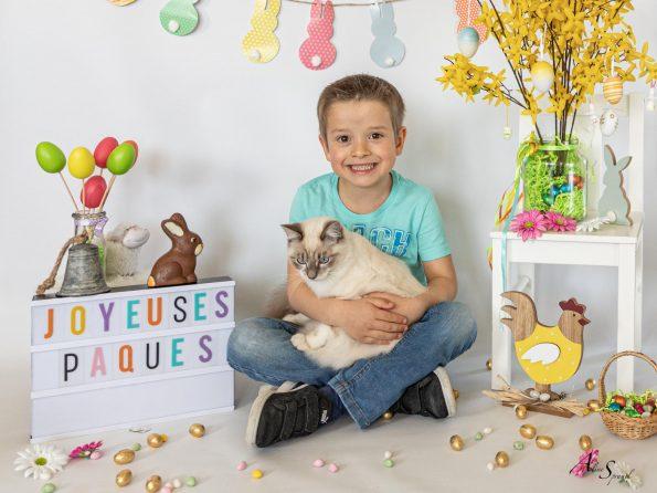 joyeuses paques enfant chat