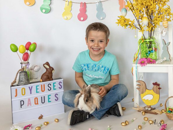 joyeuses paques enfant lapin