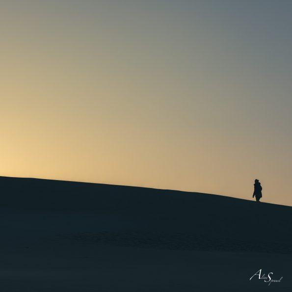 silhouette marche dune